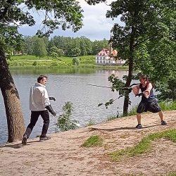 prioratskiy-park-fehtovanie1